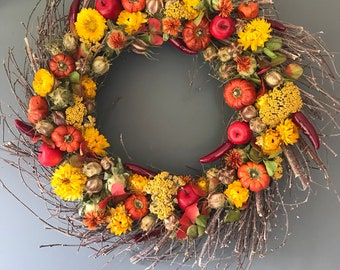 Dried flower wreath in orange and yellow 50 cm wreath, wall decor, orange dried flowers, door wreath. Pumpkin wreath, fall wreath