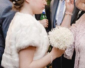 Ivory bridesmaids bubble pearl bouquet, bridesmaids bouquet, pearl flower girl bouquet, pearl wedding bouquet, pearl wedding, ivory wedding.