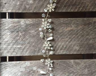 Snowflake bridal hair vine - hair vine, wedding hair vine, silver hair vine, winter brides hair vine, crystal hair vine, pearl hair vine