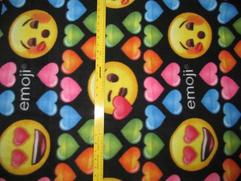Emoji Hearts /& Smiles Fleece Fabric 1 yard 19 inches RARE VHTF