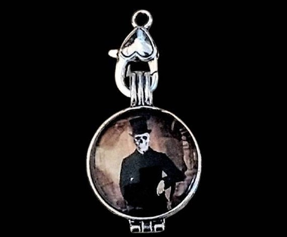 Skeleton In A Top Hat Fragrance Holder Necklace