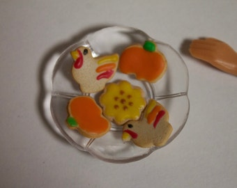 1:6 scale Thanksgiving cookies for Barbie, Ginny, Fashion Royalty, Blythe, or Momoko, Tyler, Poppy Parker