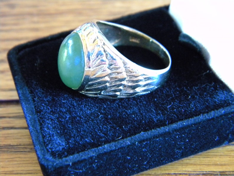 Lovely and Impressive! 10k yellow Gold Jade Massive Men/'s Ring Makers Mark Fine Detailing