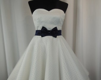 e3975104060 Rockabilly wedding dress