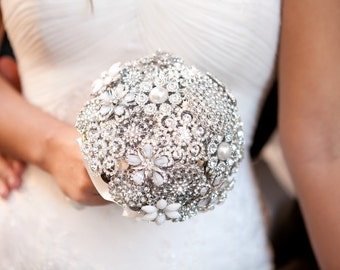 Deposit for a Stunning Diamante/Crystal Brooch Bouquet