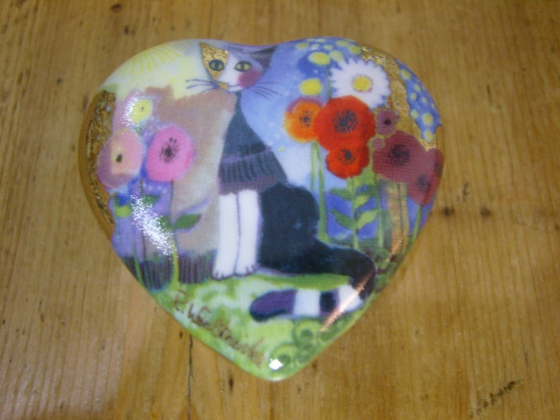 Goebel Heart Shaped R Wachtmeister Cat Trinket Box with Lid