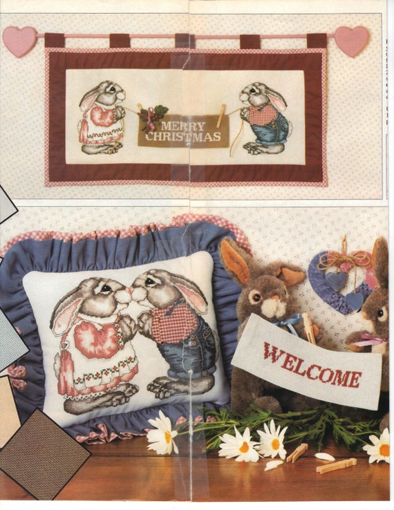 1989 Plaid Enterprises Country Projects Painting Cross Stitch Bears and Geese Instruction Book Pattern Wreath Bunnies