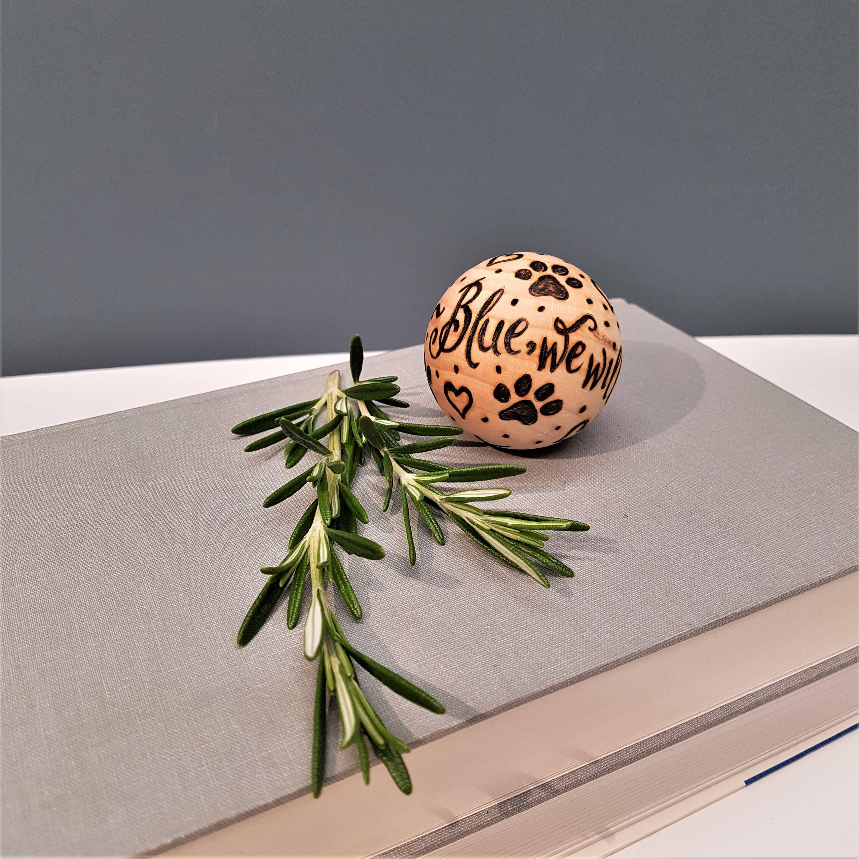 Personalised Wooden Ball Custom Gift Idea Birthday Wedding Pet Loss Dog Lover Anniversary Pyrography