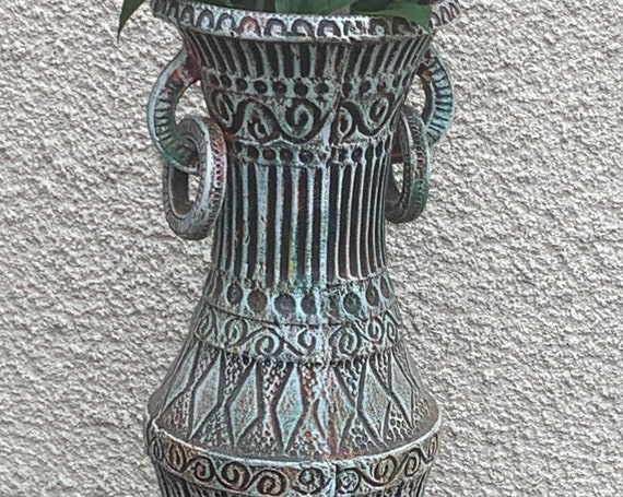 Large amphora vase in enameled ceramic, geometric patterns in relief, black and green design and vintage 1950