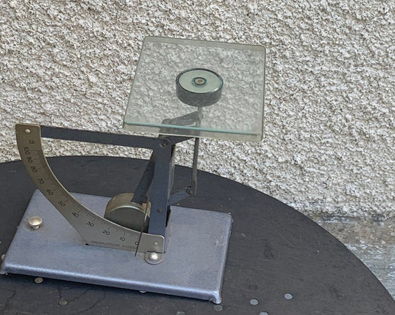 Weighs Letters in metal, Production posso, vintage desk accessory