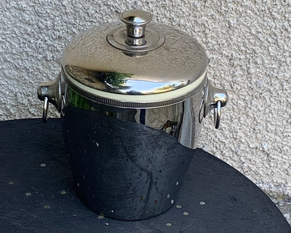 Elegant Ice bucket with stainless steel handles, made in France, vintage 1970