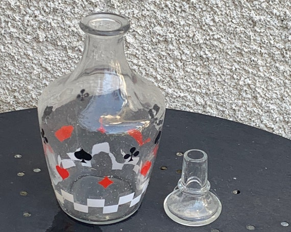 Liqueur decanter and its glass stopper, card game motif, vintage 1960
