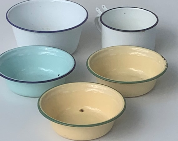 Set of 5 bowls and a multicolored enameled iron cup Bump Harvest made in china vintage