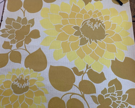 Vintage 1970 wallpaper roll, wallpaper, large yellow flowers approximately 6 meters x 52 cm