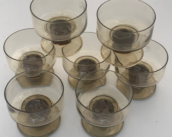 7 champagne glasses or verrines in brown glass, advertising MOBIL, collector and vintage 1970