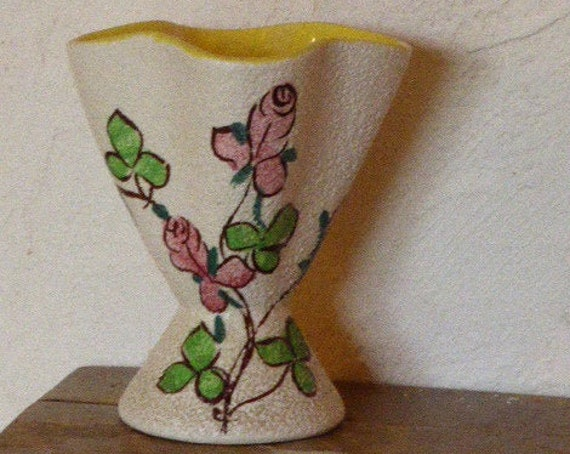 Ceramic vase, original and design, vintage 1950, bouquet of flowers painted by hand, stamped deco Hand and numbered ML VP7