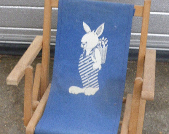 Small folding chair for children, lots of charm, wooden structure and canvas with a navy blue vintage 1950/1960
