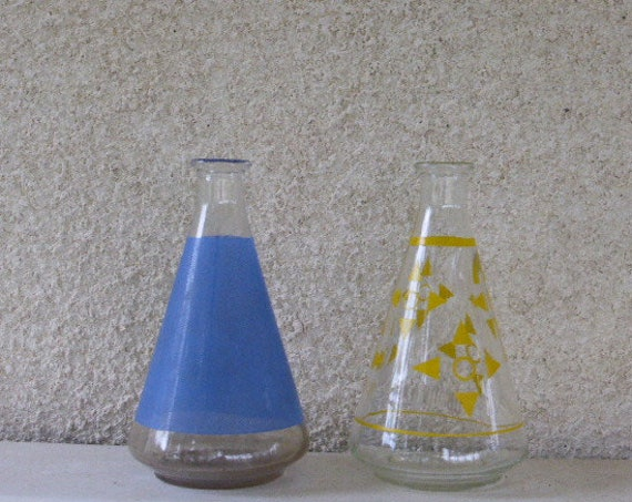 Two Decanter,  VINTAGE 1960, yellow or blue