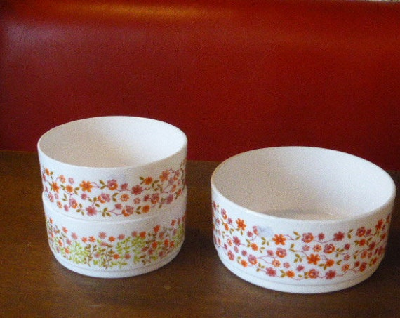 Set of 3 vintage 1970s opalex salad bowls, SHELL advertising, green and orange floral pattern and two small pink and orange flowers