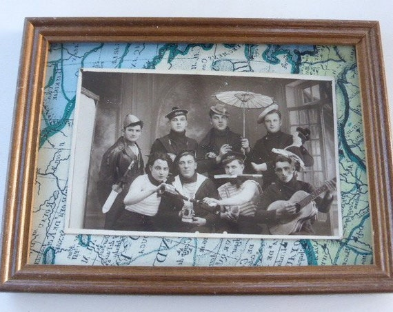 Charming black and white photography of the 1920s, carnival among sailors, sailors in disguise, ancient and burlesque, collection, militaria