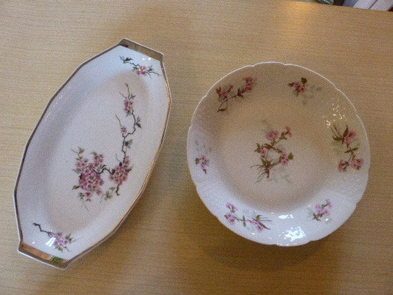 Charming small serving dish and plate in Limoges porcelain, art deco cherry blossom motif