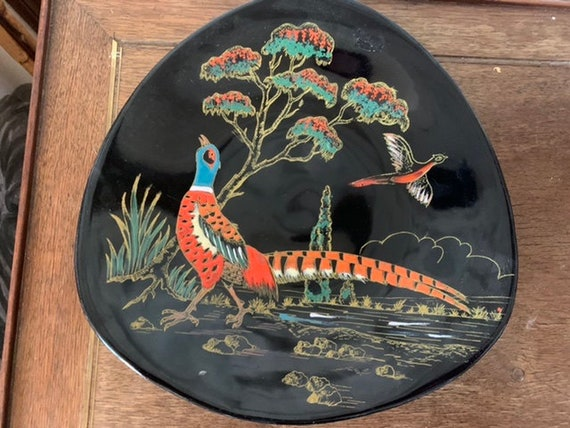 Longwy plate model the Chinese pheasant on black earthenware, creation of art unalterable colors grand feu, numbered 35221, vintage