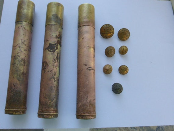 Set of 3 buttons with haberdashery buttons in copper and 7 old buttons in metal, periode art deco collector