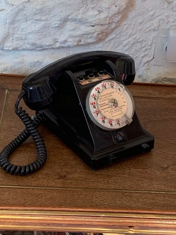 Dial telephone, in black Bakelite, standard buttons, vintage 1967, PTT, CH MILDE & Cie made in France