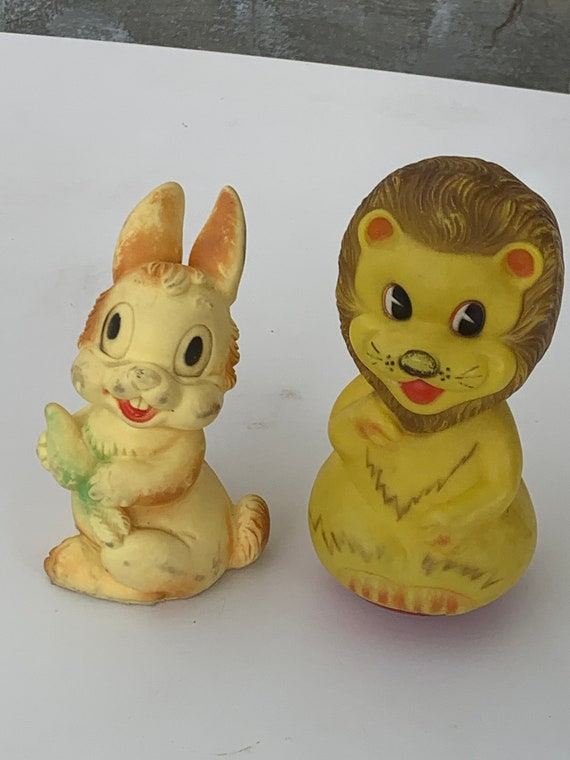 LAPIN and LION CULBUTO vintage toy 1960/1970 rigid and flexible plastic collect