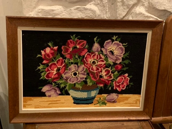 Canvas the bouquet of anemones, finished embroidered tapestry, vintage 1970, handmade