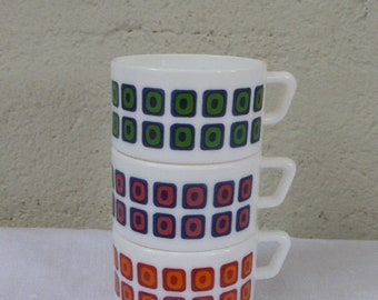 3 cups in opal arcopal with their famous vintage geometric pattern design 1970s