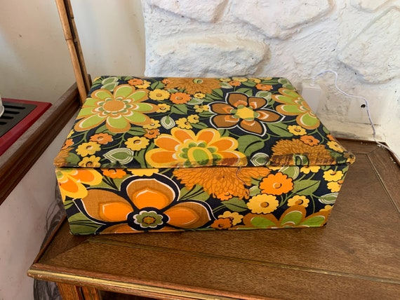 Vintage 1970s sewing fabric box, filled with little surprises darning threads, fabrics .....