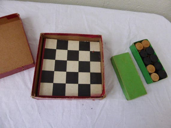 Original and old cardboard box, travel games, ladies and small horses, vintage 1950