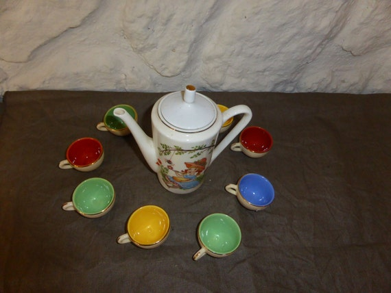 DINETTE COFFEE POt and 9 ceramics cups for dolls vintage 1960/1970