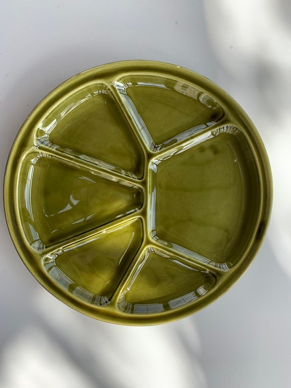 6 plates with compartments, green enameled ceramic fondue, faiencerie de Gien, vintage 1970