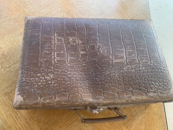 Suitcase, suitcase for children in brown cardboard, art deco, lined with paper, old