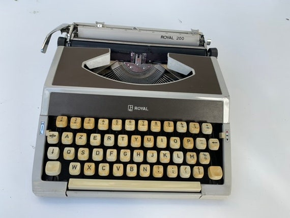 Machine a écrire ROYAL 200, vintage 1960/70, bakelite beige et gris