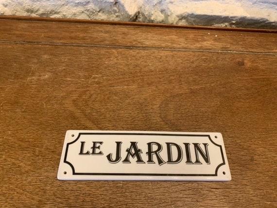 Charming enamelled ceramic door plate, LE JARDIN, for your doors .