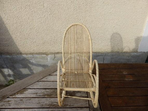 Rocking chair en paille pour poupées vintage, design Rocking chair, straw and raffia for dolls, vintage 1970,