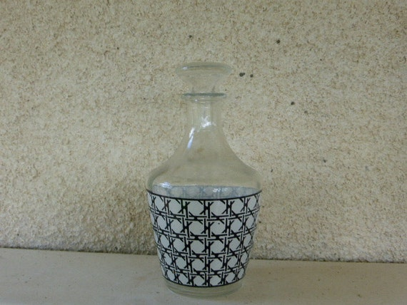 DECANTER has liqueur, pitcher, small VINTAGE 1950/1960 black and white, collector