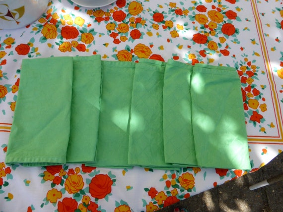 6 rectangular cotton damask napkins with meadow green floral pattern, old
