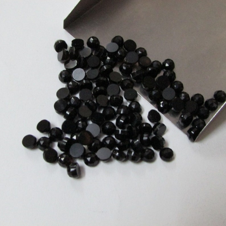 Black Onyx Rose Cut Round Cabochon Gemstone Black Onyx Round rose cut Cabochon gemstone 50 pieces 4mm Black Onyx RoseCut Round Gemstones