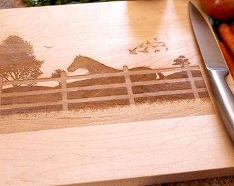 Personalized cutting board - Custom engraved gift - Horse lovers gift - Equestrian gift - Housewarming gift - Western Wedding - Horses