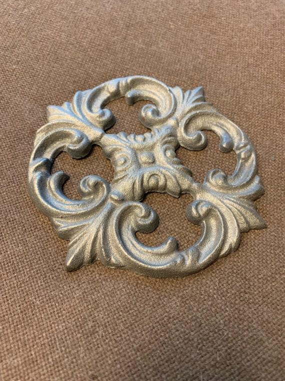 5 cast iron round flower medallion rosettes 2 1//4 inch