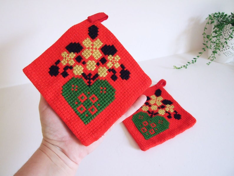 Red Christmas Potholders Sweden Vintage Embroidered  Pair of potholders Heart Flowers