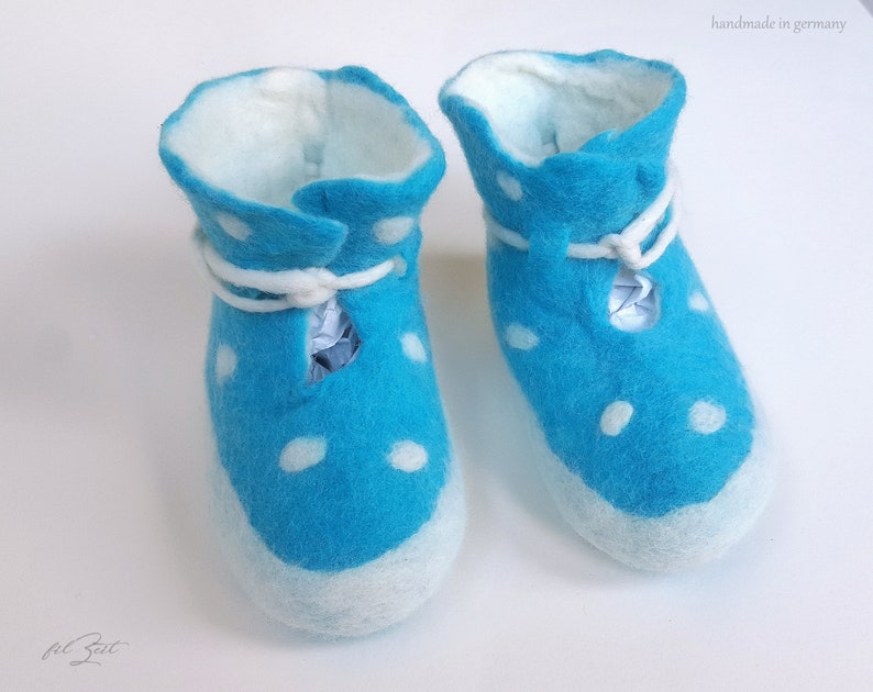 1d3e6d2c6c69f Baby shoes felt 2nd to 9th month, felt shoes, baby boots birth, gift,  FilZeit, dots