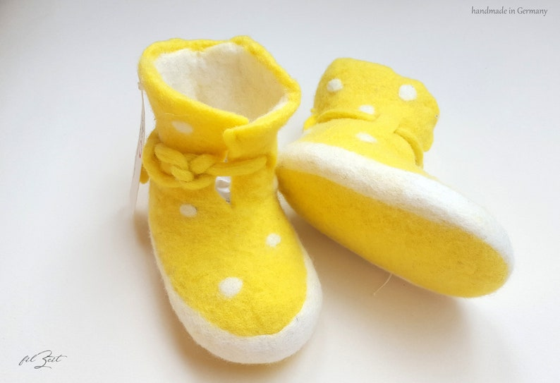 5a9178d7e4c69 Baby shoes 2nd to 9th month, felt shoes, baby boots birth, gift, FilZeit,  dots, yellow, white