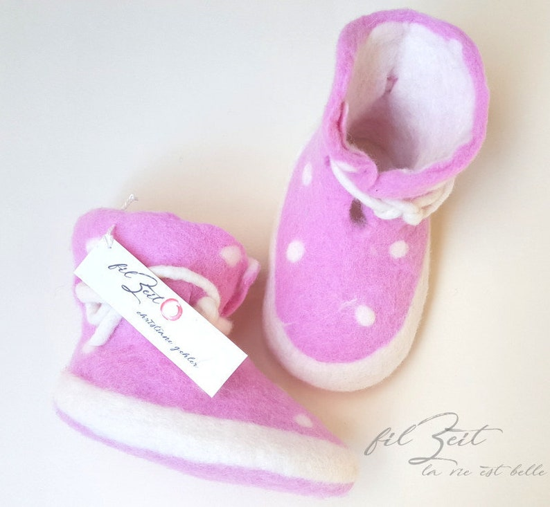 f5f5284903d65 Baby shoes 2nd to 9th month, felt shoes, baby boots birth, gift, FilZeit,  dots, pink, white