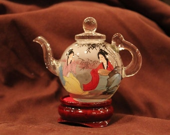 """Chinese Teapot - Traditional Chinese Women Kneeling by Beautiful Scenery (3.25"""")"""