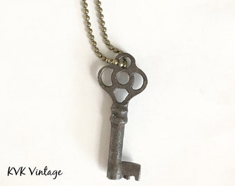 Vintage Skeleton Key Necklace (FANCY BOW) -  Old Key Necklaces - Gothic Key Necklace - Rustic Key Necklace